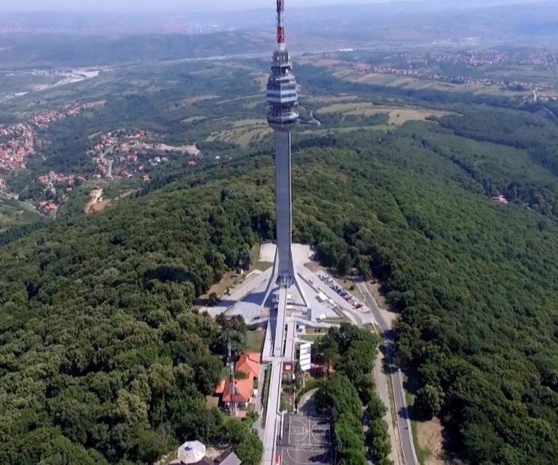 """Изложба 'Бирам Србију"""" у подножју Авалског торња"""